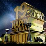 Kostenlose Geburtstagskarte zum 19. Geburtstag im Stile von Hollywood - Happy Birthday