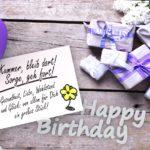 Geburtstagskarte mit kleinen niedlichen Geschenken und Zettel mit Gedicht