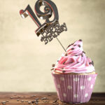 19. Geburtstag Muffin Geburtstagskuchen Happy Birthday